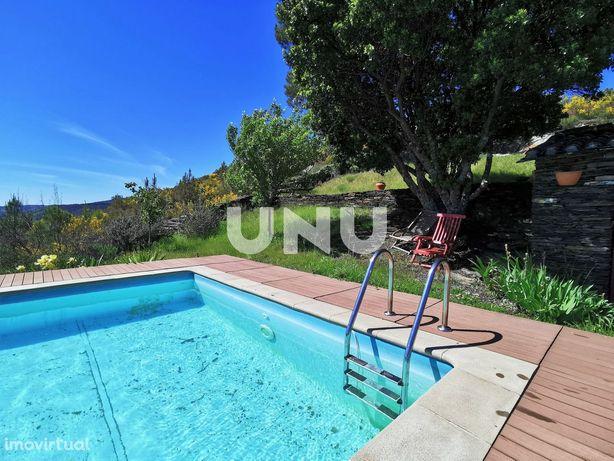 Casa Rústica em Casares com piscina
