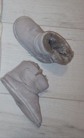 Tchibo niechodki nowe szare z kożuszkiem 21-22