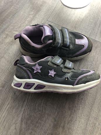 Кроссовки для девочки мигающие