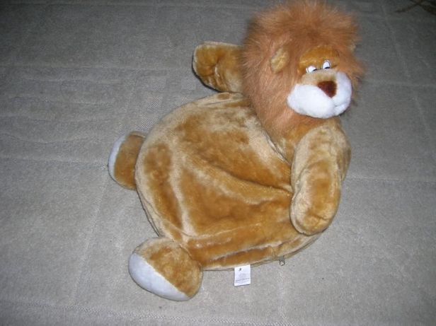 LEW -siedzisko, puf dziecięcy,przytulanka,zabawka.(1-3 latka)