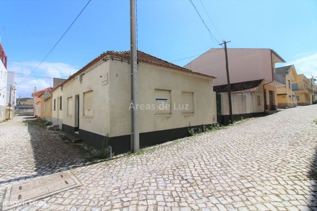 Moradia Unifamiliar T2 e Anexos, Praia do Pedrogão
