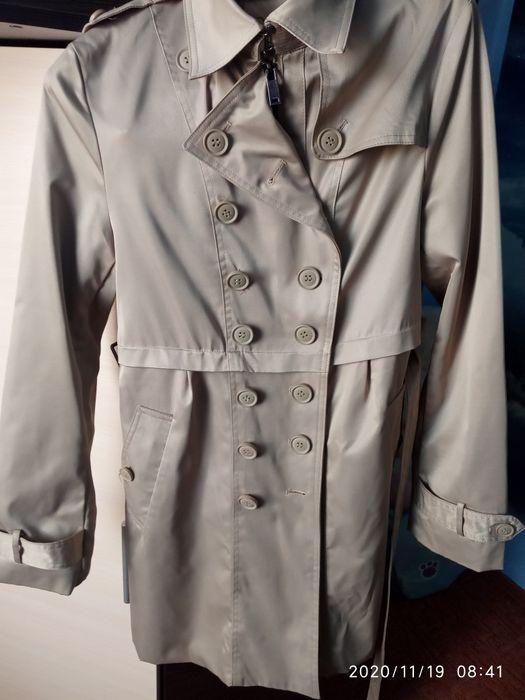 Отдам за шоколадку лёгкое пальто Изюм - изображение 1