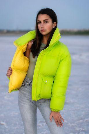 Яркая теплая женская куртка. Зима 2021