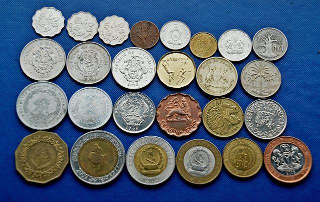 набор экзотических монет