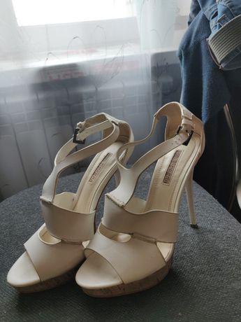 Стильные кожаные босоножки  Spagna 36 размер