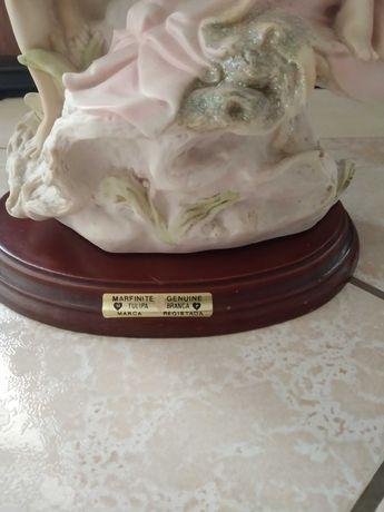 Estátua de Marfínite Genuine Branca