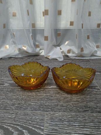 Два салатника из жёлтого стекла