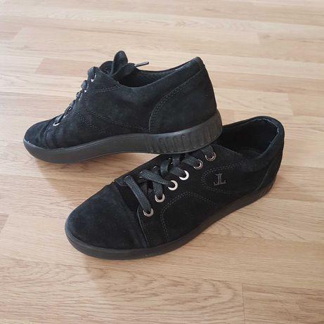 Замшевые туфли 42р