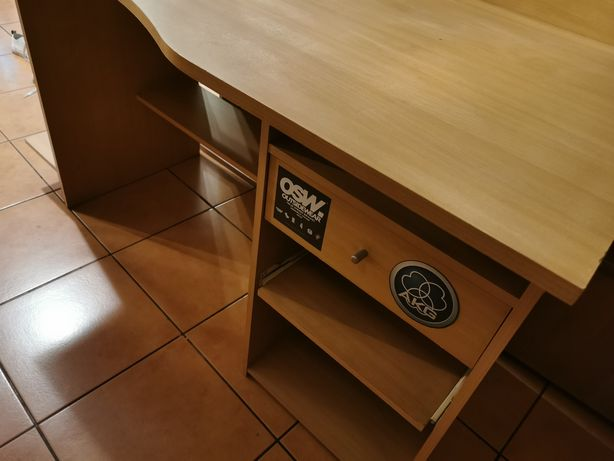 Młodzieżowe biurko