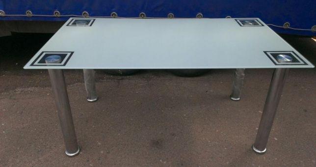 Обеденный стекляный стол производства Германии