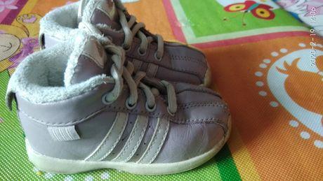 Демисезонные ботинки для малышки