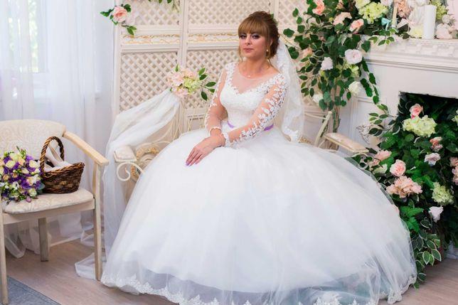 Продам очень красивое свадебное платье. Срочно!