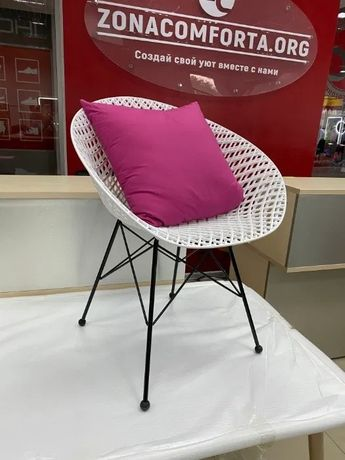 Дизайнерский стул с подушкой для дома дачи