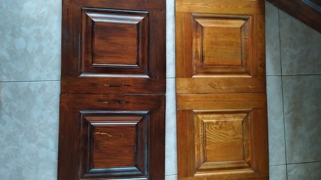 Набор дверей из натурального дерева.
