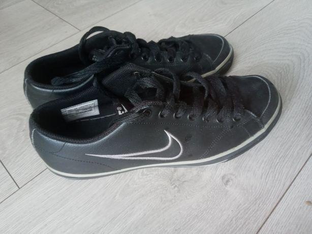 Buty czarne trampki Nike 38.5