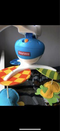 Karuzela podróżna przyjaciele na łące Tiny Love