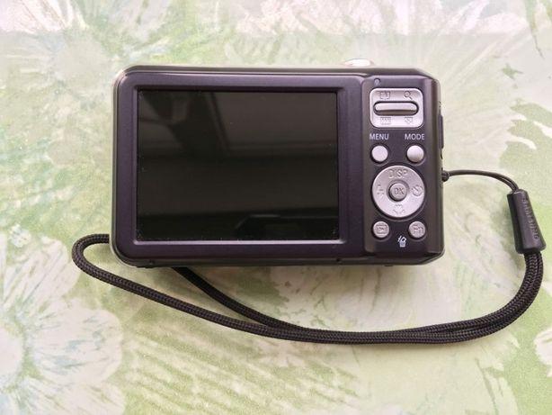 Фотоапарат Samsung ES70 + карта пам'яті 1GB