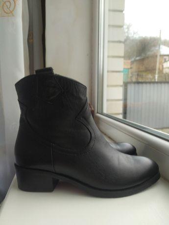 Кожаные женские демисезонные ботинки, размер 36