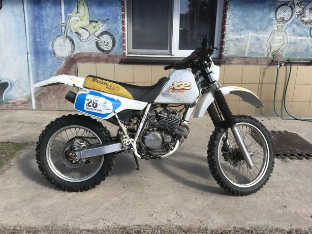 Honda XR 250 motocykl enduro 4T terenowy