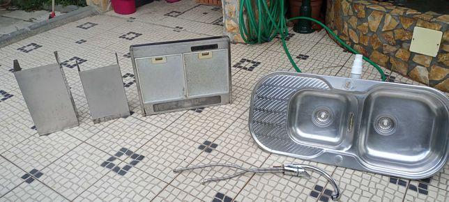 Exaustor + Lava louça + misturadora