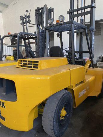 Empilhador clark 7000 kgrs diesel com rodado duplo