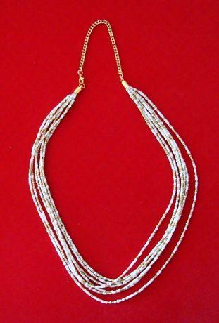 Colar de Missanga com 7 fios cor branca e dourada comprimento total 60
