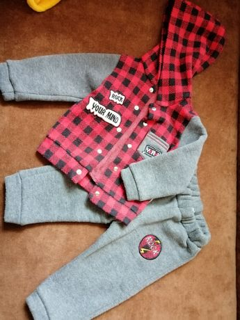 Костюмчик  для мальчика на 6-  9 месяцев, костюм