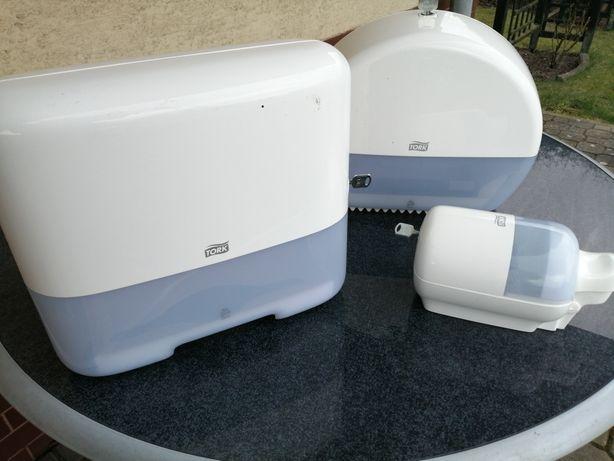 Dozowniki Tork komplet: papier, ręczniki, mydło