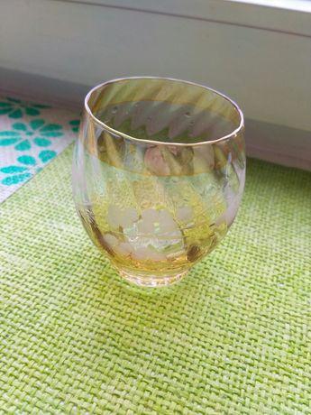 Склянка, рюмка.