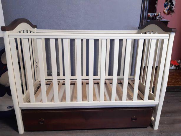 Детская кровать и пеленатор