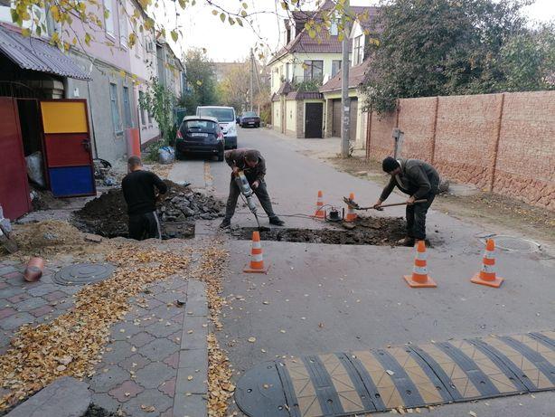 Земельные работы, прокладка труб водопровода и канализации