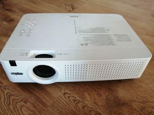 Projektor SANYO PLC-XU4001