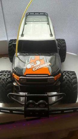 Машина игрушка на радиоуправлении New Bright Toyota FJ Cruiser