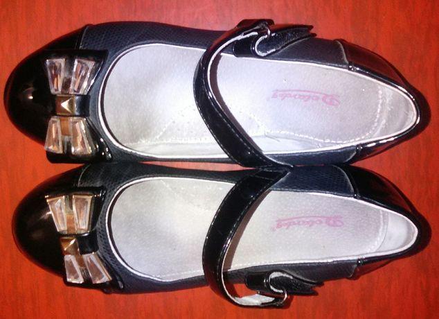 Святкові шкільні туфельки