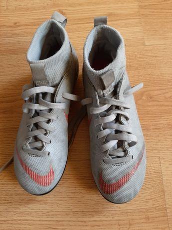 Korki Nike rozm 33