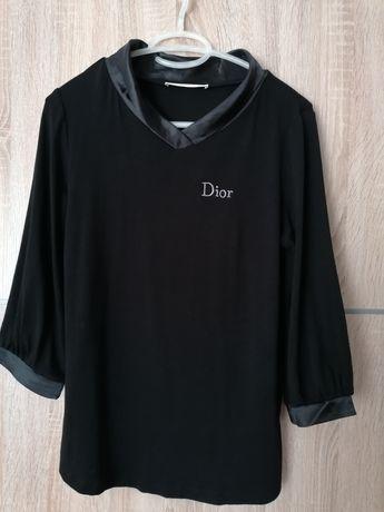 Blusa preta tamanho M c/referência à marca DIOR