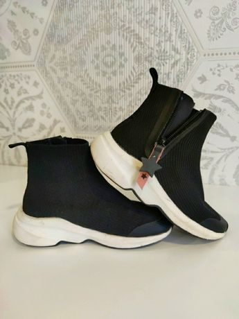 Дитячі кросівки ZARA