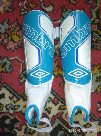 Щитки футбольные umbro защита ноги