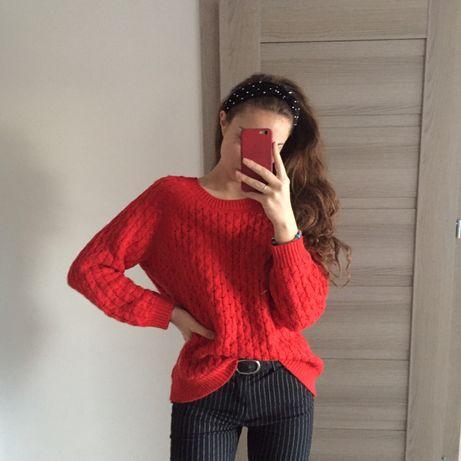 Czerwony sweterek H&M
