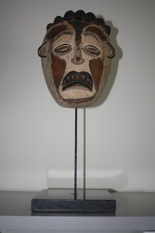 Mascara Antiga de Coleção Privada