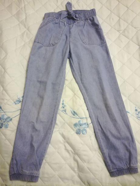 Spodnie lekki jeans dla dziewczynki- wygodne!