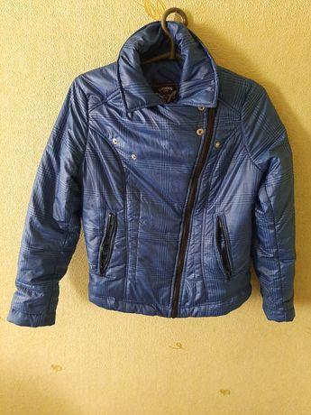 Стильная куртка  размер s -m