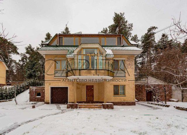 Продажа 3-этажного дома 212 м2 в г. Украинка, Обуховский р-н