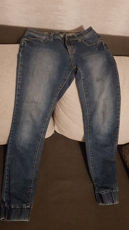 Zestaw dżinsy i bluza