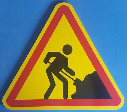 Placa sinalização temporária de obras na via publica