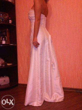 Шикарное белое платье размер M Lможно для венчания или выпускного