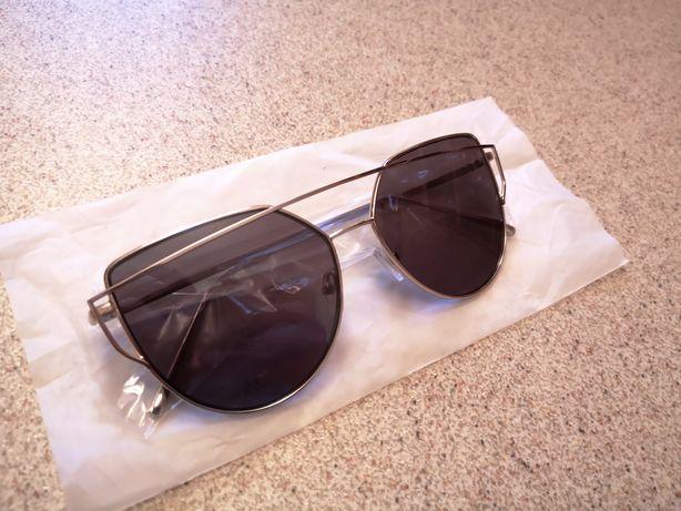 Czarne okulary przeciwsłoneczne nowe