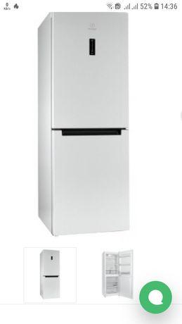 Новый холодильник  INDESIT DF 5160W