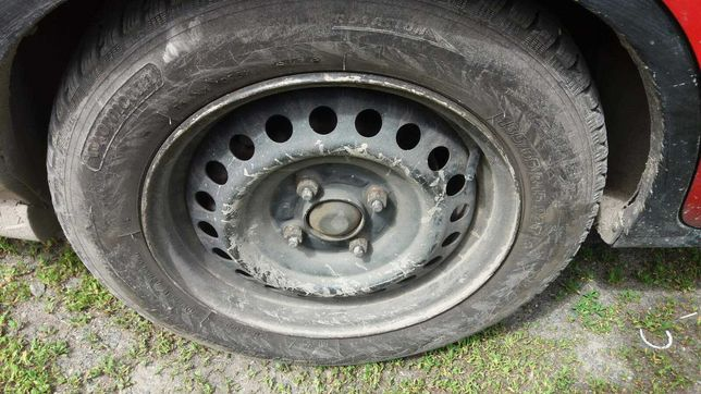Диск колесный R15 4 х 114 ET44 Резина 185 65 15 92T
