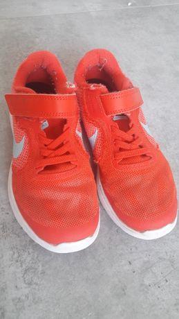Nike Revolution 3 roz 31.5 Buty